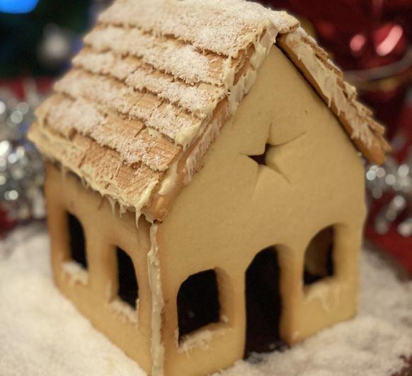 Disfruta con los peques haciendo la Casita de Navidad