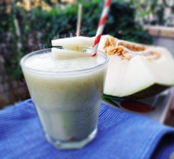 Smoothie antioxidante de melón con uvas