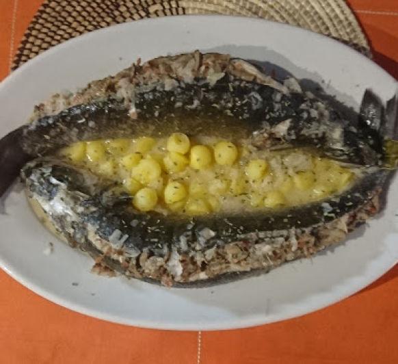 Lubina rellena al cava. Un gran plato para la cocina más pequeña y mejor equipada del mundo.