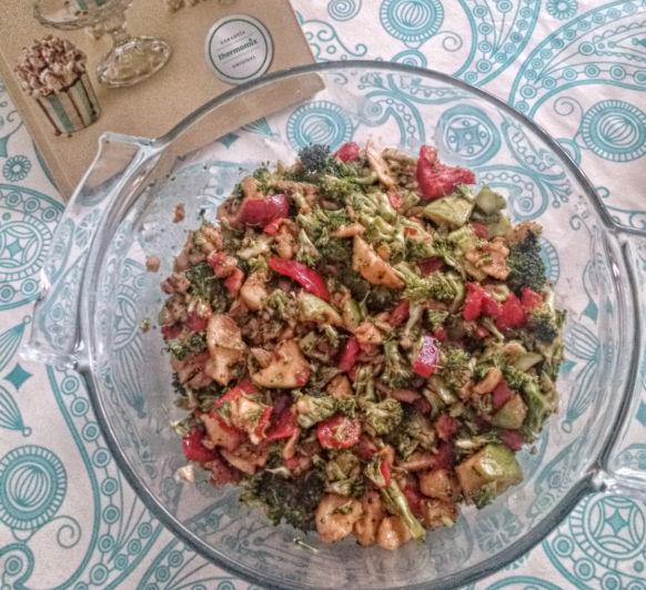 Ensalada de brócoli, pimiento y manzana (Taller Mundo Thermomix® )